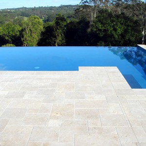 Linen (Classic Light) Tumbled Travertine