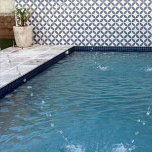 ... CM098 Ocean Blue Ceramic Mosaic Pool Tiles In Place ...