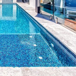 GC210 Peacock Glass mosaic tiles tiling a pools interior