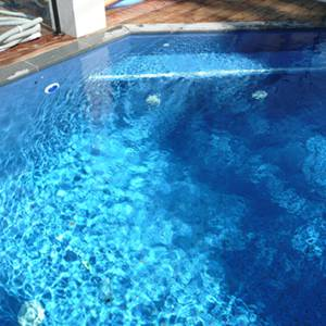 Fully tiled pool with GCR050 Azure Blue 23mm crystal glass mosaic tiles
