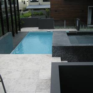 Fully tiled Spa and sides of the spa walls used GCR320 Charcoal Crystal Pearl Blend 20mm glass mosaic tiles